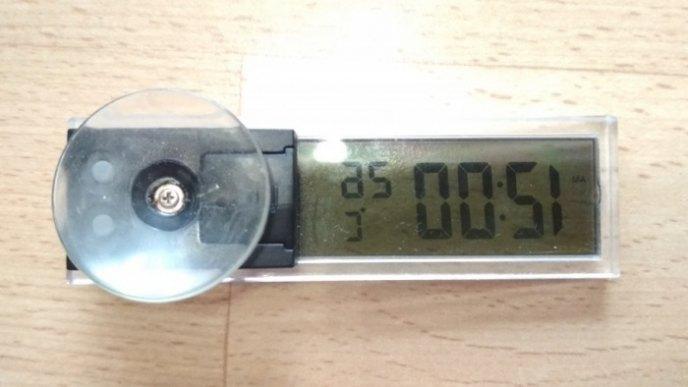 Часы с присоской на стекло время, температура